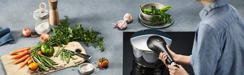 Nồi áp suất Wmf Perfect Premium 4,5l kèm xửng hấp - Mô tả trong nhà bếp