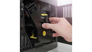 cụm pha chế của Máy pha cà phê Philips EP2221/40 tự động dễ dang làm sạch dưới nước