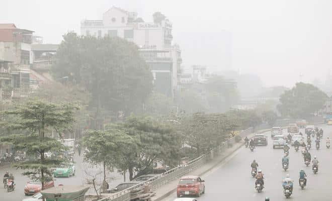 Tình trạng ô nhiễm không khí hiện nay tại Hồ Chí Minh và Hà Nội